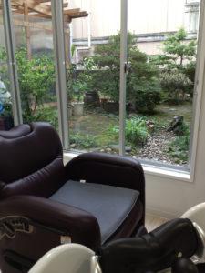 半個室席から見える庭の風景
